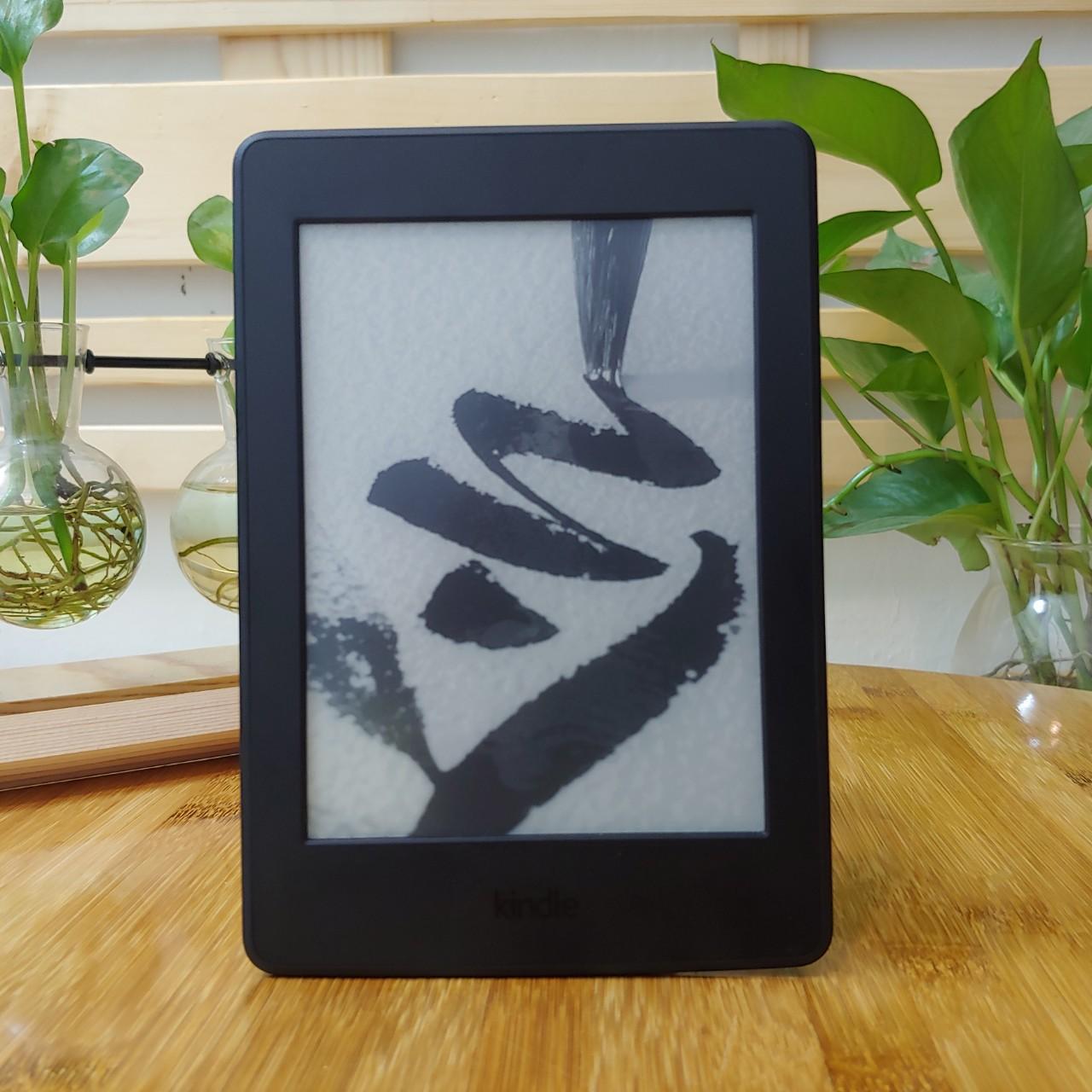 [Used Good] Máy đọc sách Kindle Paperwhite Gen 3 (7th) (PPW3) bộ nhớ 4GB có đèn nền, wifi