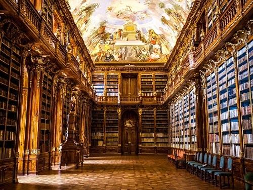 Thư viện sách và hướng dẫn sử dụng máy đọc sách kindle