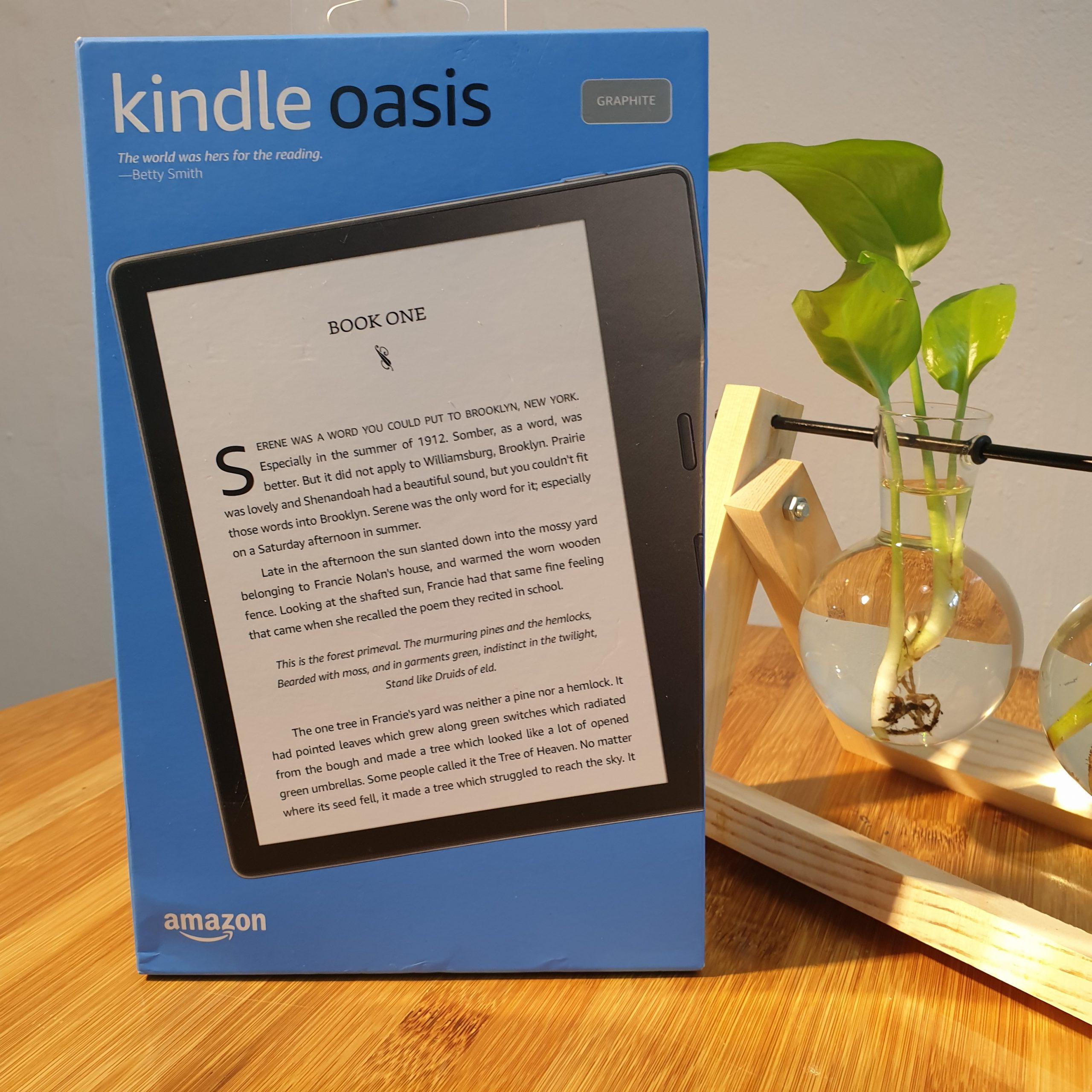 """[NEW 100%] Máy đọc sách Kindle Oasis 3 (10th) 32GB màn hình 7"""" 300PPI, màn hình vàng Warmlight, Chíp Dual 1Mhz, RAM 512, chống nước"""