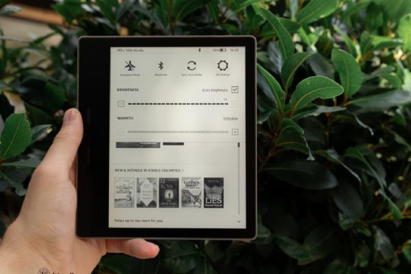 Amazon Kindle Oasis - Kindlehanoi.vn